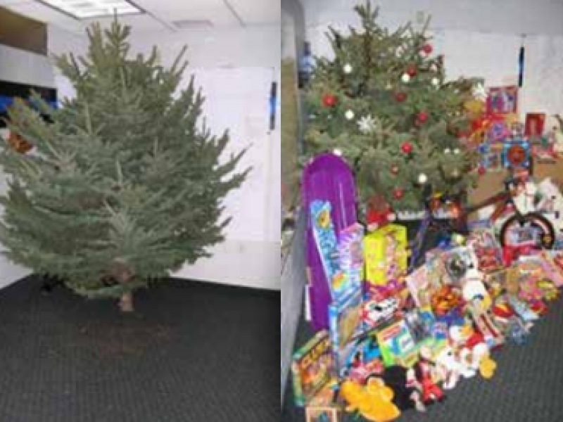 Lakeville Police Department Continues Toys For Tots Tradition 0