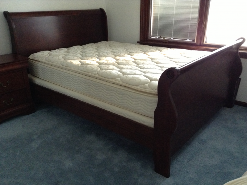 350 Cherry Wood Sleigh Bed Queen With Mattress Box Spring