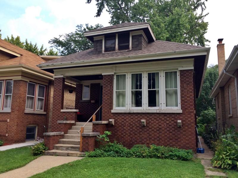 Under Contract Estate Sale Brick Bungalow Home In Oak