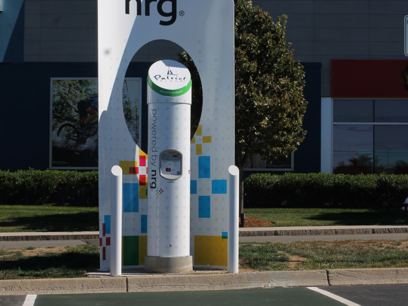 nrg energy and patriot place team up to introduce electric vehicle charging station foxborough. Black Bedroom Furniture Sets. Home Design Ideas