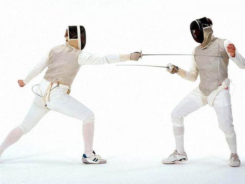 The Center 862 Offers Fencing Workshop And Classes