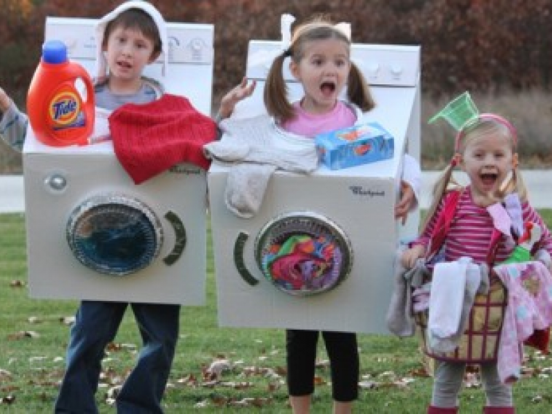 9 family halloween fun costume ideas for the whole family