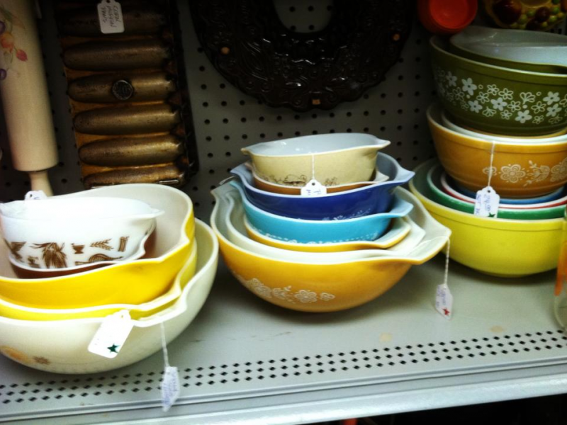 3; Vintage PYREX for Sale at Junque! : vintage pyrex dinnerware - pezcame.com
