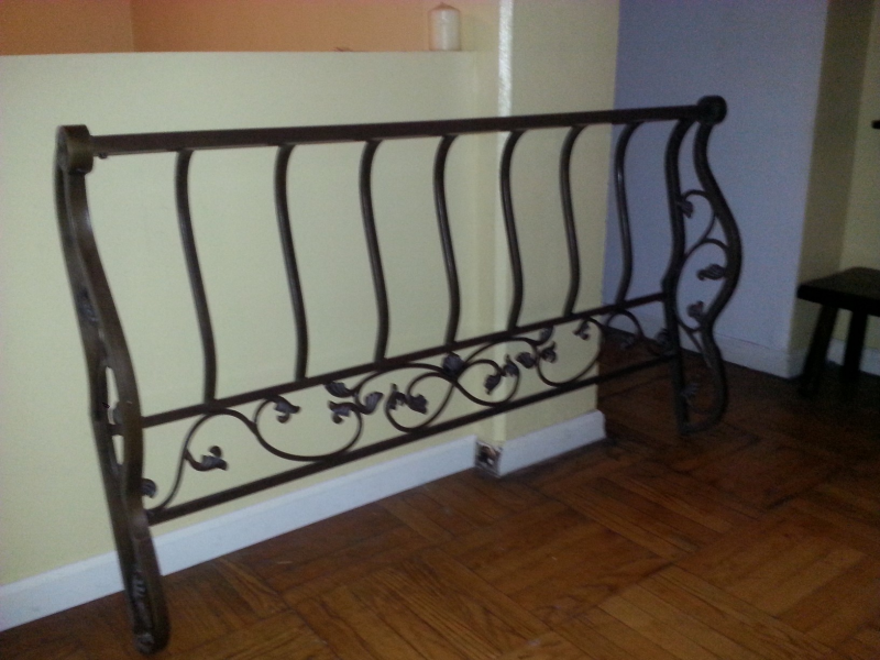 Elegant Wrought Iron Sleigh Bed Head And Foot Board