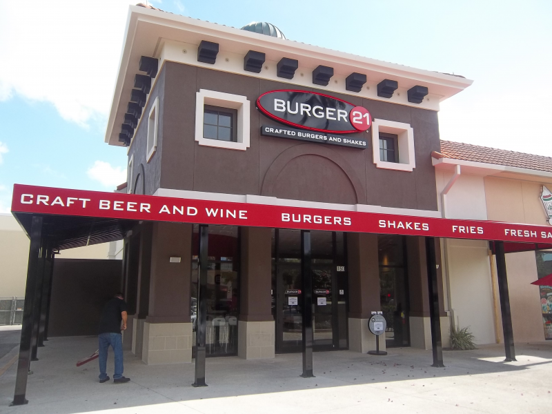 Burger 21 Signs Additional Franchise Agreement In Sarasota