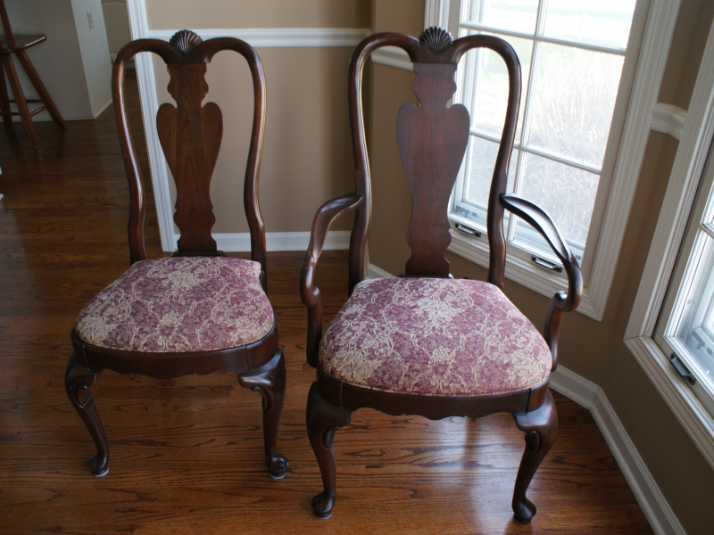 Ethan Allen Georgian Court Dining Room Table Hutch Chairs Pads