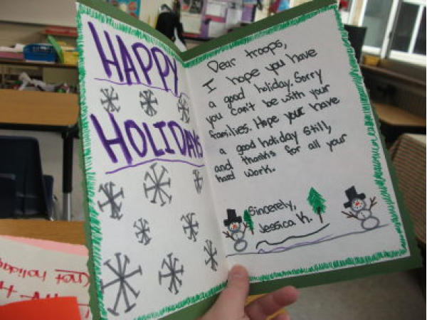 red cross urges public to send holiday cards to soldiers veterans