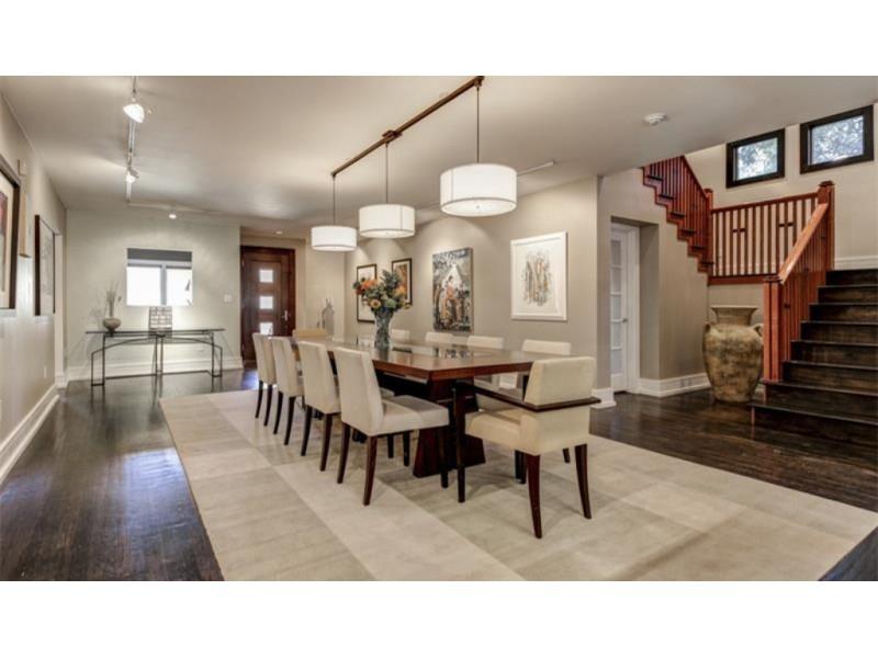 WOW House: $985K Buys Frank Lloyd Wright-Inspired Prairie Home ...