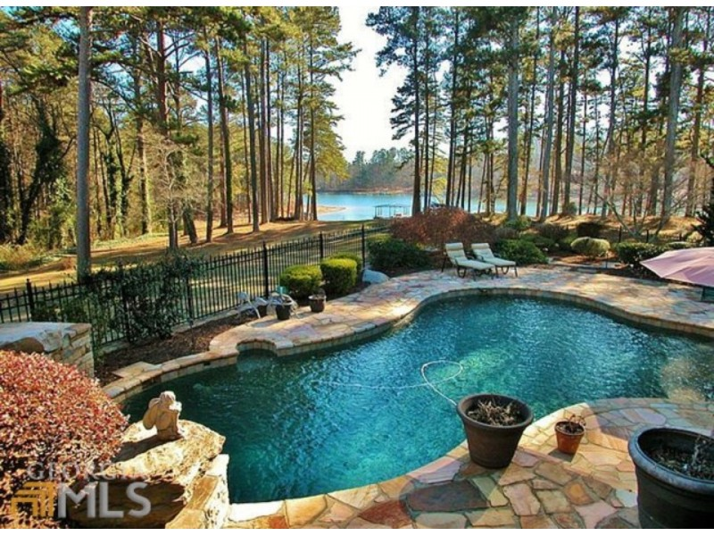 Wow House 1 6m Estate Has Magnificent Year Round View