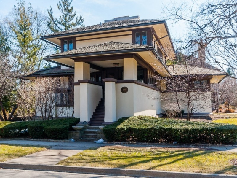 gallery frank lloyd wright 39 s henderson house on the market for less than 1m elmhurst il patch. Black Bedroom Furniture Sets. Home Design Ideas