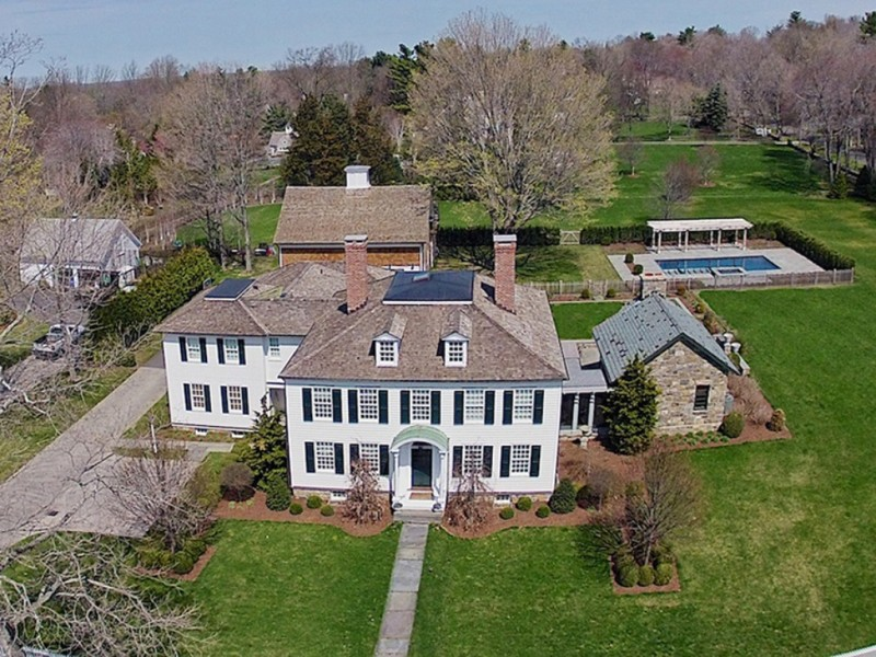 Fairfield Wow House Renovated Georgian Colonial On