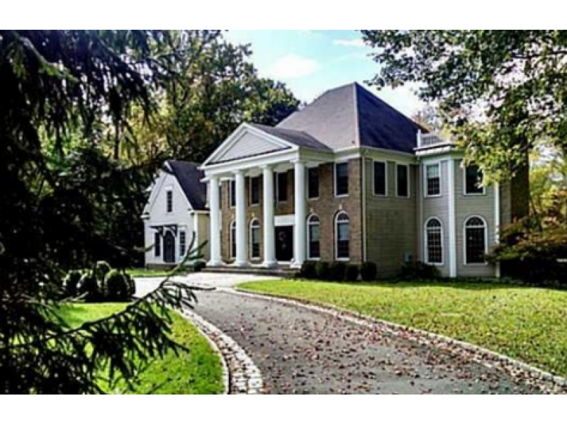 This week 39 s bethel homes for sale include this exquisite for Colonial style homes for sale