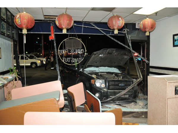 Man Charged With Dwi After Crashing Through Long Island