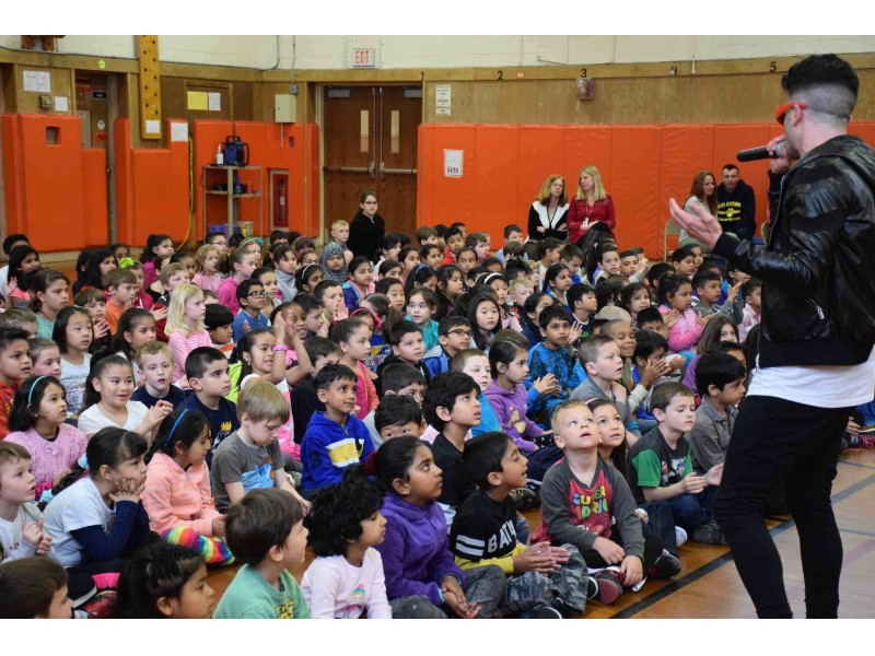 Hicksville Students Learn About Anti Bullying Through