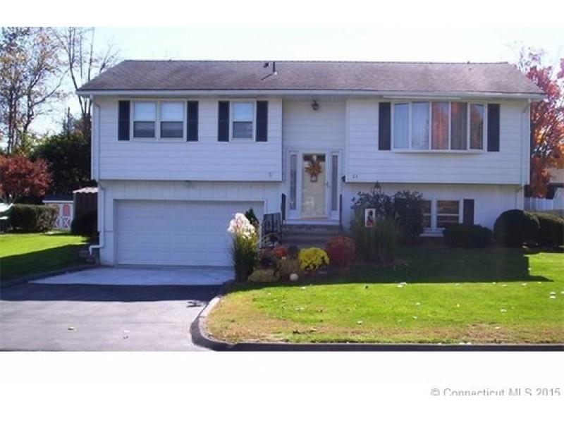 Meriden homes for sale meriden ct patch for Ct home builders