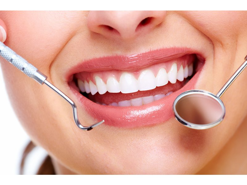 10 Ways To Whiten Your Teeth