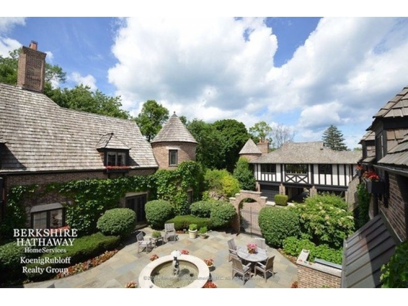 Wow House Lake Forest Estate With Cathedral Ceiling Swimming Pool And Spacious Grounds Lake