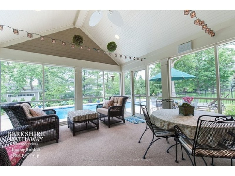 Wow House Lush Landscaping And Outdoor Pool In Glenview Glenview Il Patch