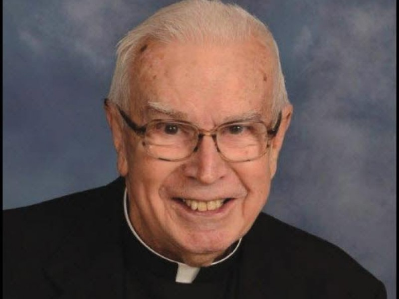 Rev Robert J Fitzpatrick A Longtime Priest In Waukegan