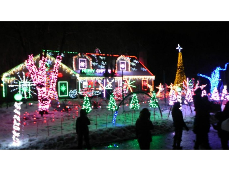 ... Amazing Light Show At U0027The Christmas Houseu0027 In Wilmette  ...