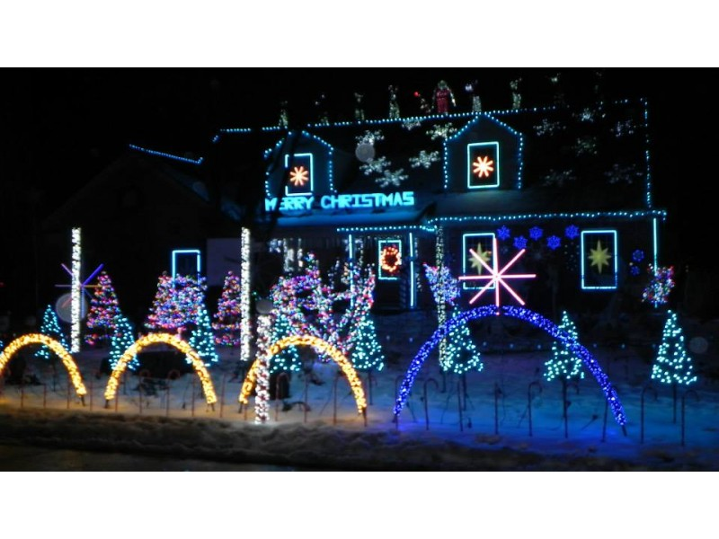 amazing light show at the christmas house in wilmette wilmette il patch