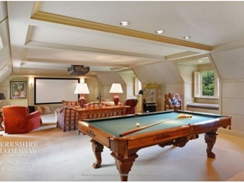 Wow House Estate In Lake Forest With Cathedral Ceilings
