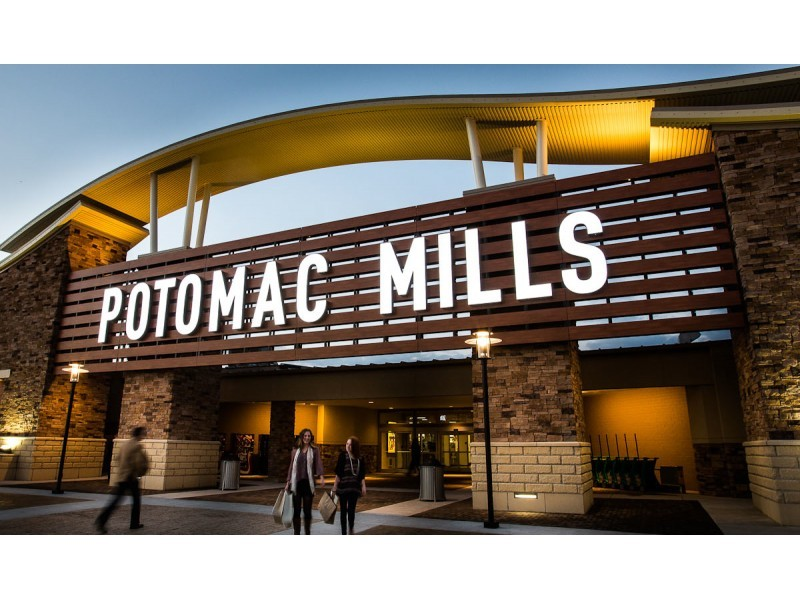 Our Potomac Mills Mall Store location has got you covered. We're your one-stop shop in Woodbridge, VA. We have phones, tablets, wearables, and more that you'll love. We also offer in-store activation, so you can get your device up and running in no time. Need a case? How about a charger?Location: Potomac Mills Circle Suite , Woodbridge, , VA.