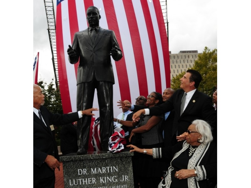Essex county pays tribute to mlk with new statue newark - Garden state check cashing newark nj ...