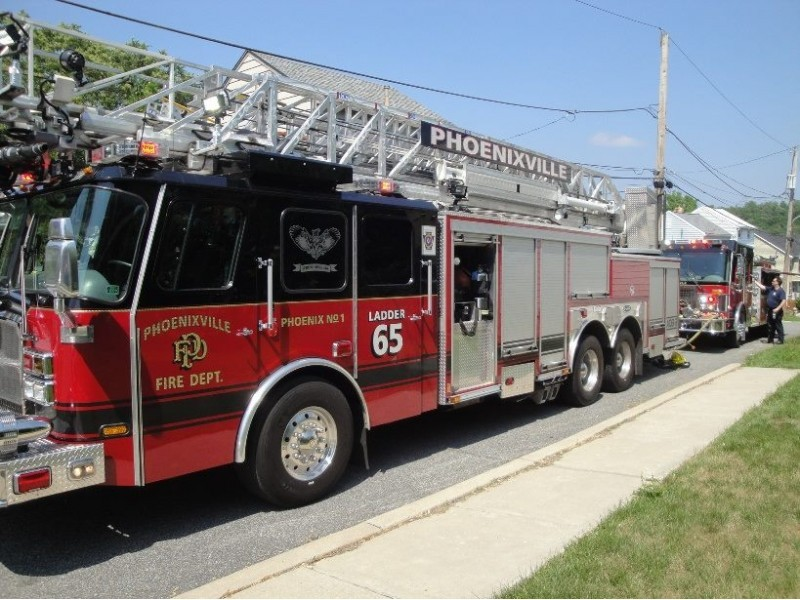 Phoenixville fire department holds holiday craft and for Pa vendors craft shows