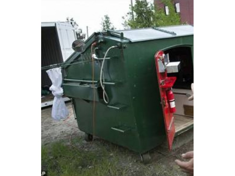 Brooklyn Dumpster Apartment Posted To Craigslist For 1 200 Per Month Williamsburg Ny Patch
