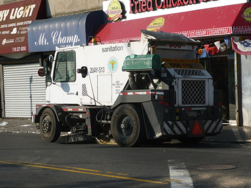 NYC Street Sweeper Leads Cops On Wild Chase Through Brooklyn - Nyc street sweeping map