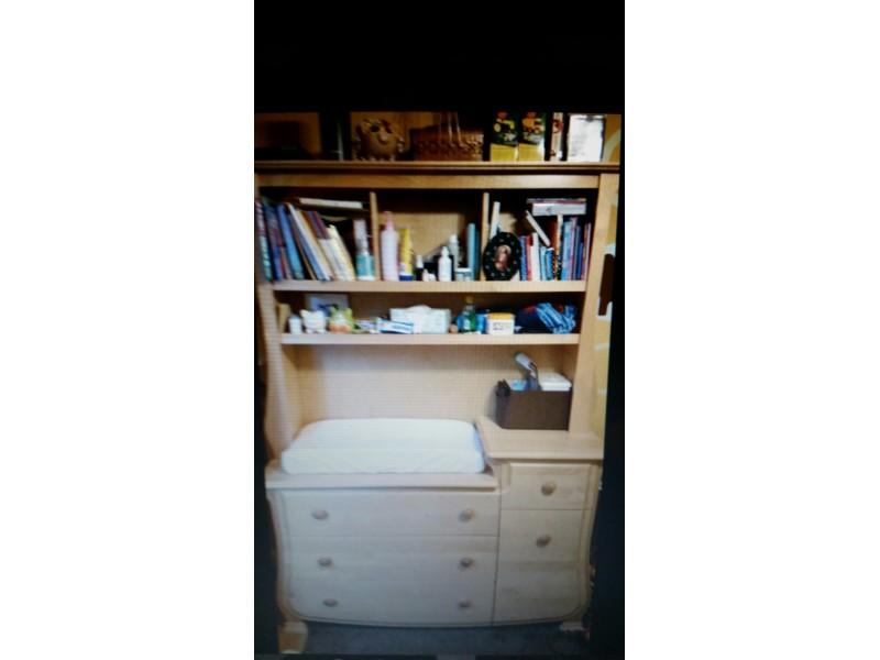 For Sale: Pali Rosalia Crib U0026 Dresser