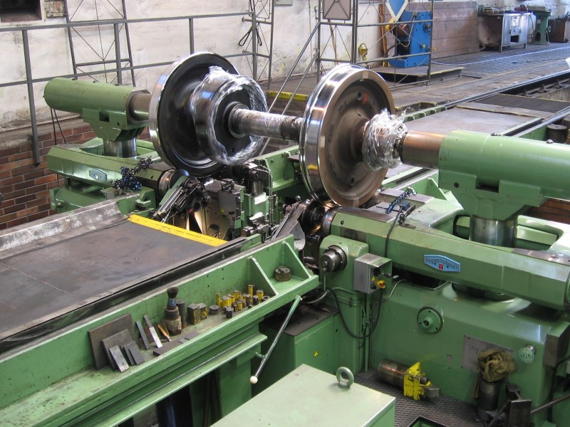 List of Synonyms and Antonyms of the Word: lathe accidents fatal