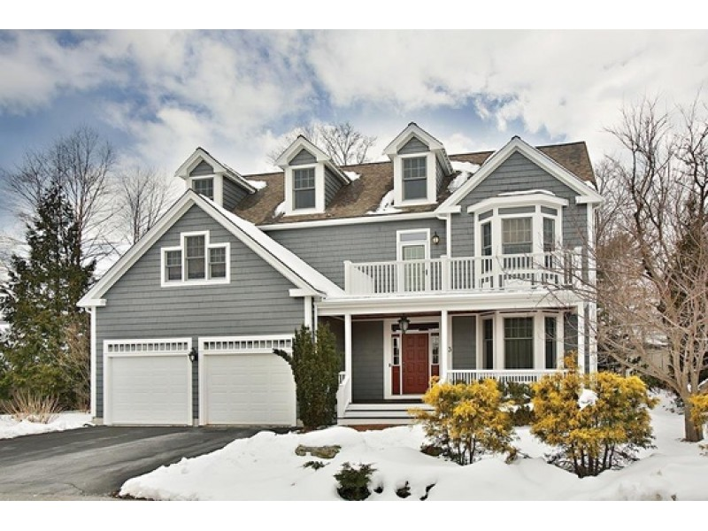 west roxbury 39 wow 39 house a cozy family home west roxbury ma patch. Black Bedroom Furniture Sets. Home Design Ideas