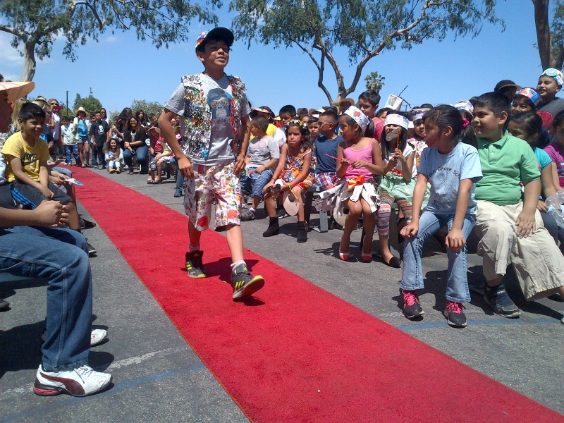Recycling Fashion Show Held By Garden Grove Elementary Students In Honor Of Earth Day 2016