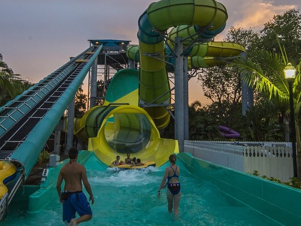 Busch Gardens Summer Nights 2016 Schedule Announced