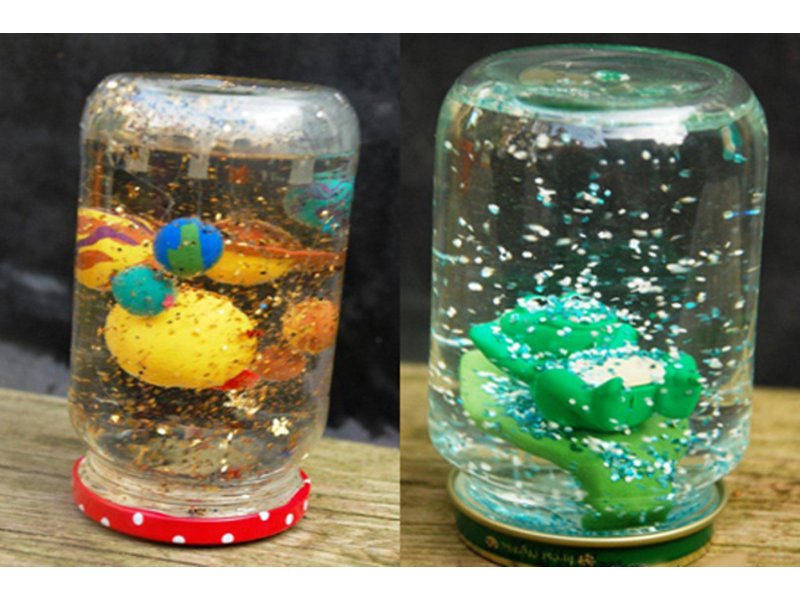 children to make snow globes at the des plaines history center des