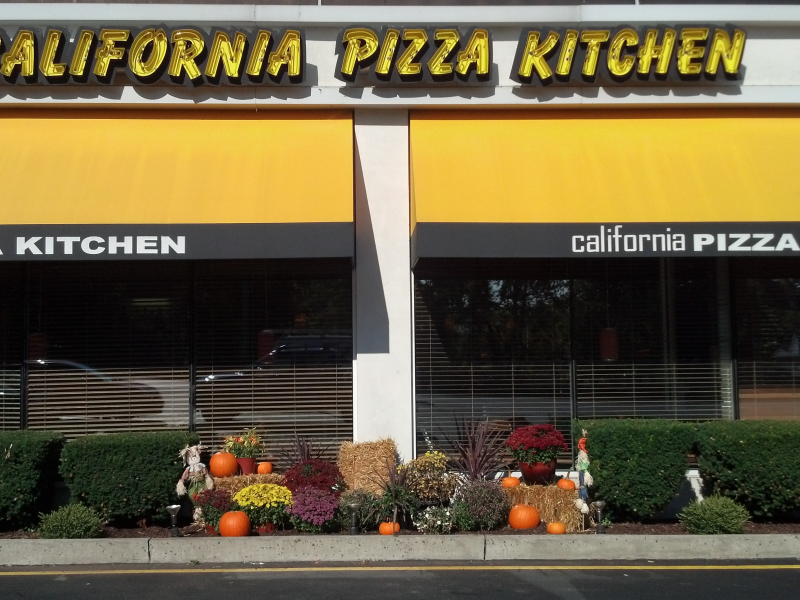 California Pizza Kitchen Introduces Gluten-Free Pizza | Norwalk, CT ...