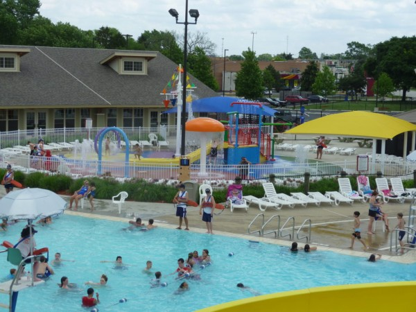 Come On In The Water 39 S Fine At Oasis Fun Center Niles Il Patch