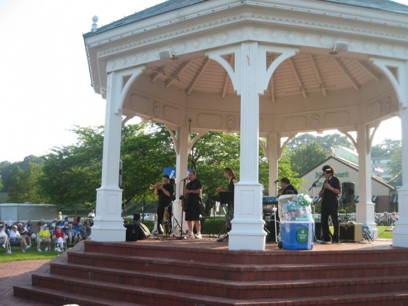 Garden City Center Alive With Music Once Again Cranston Ri Patch
