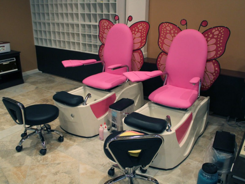 New Urbandale Nail Salon Offers Manis Pedis Ore 0