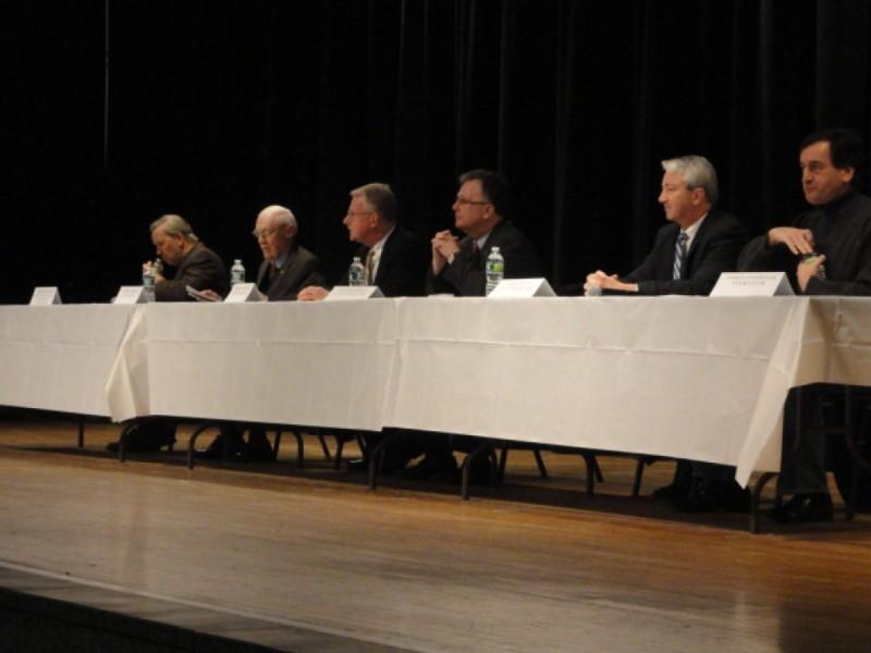 Murphy Sweeney Debate At Lindenhurst Legislative Breakfast