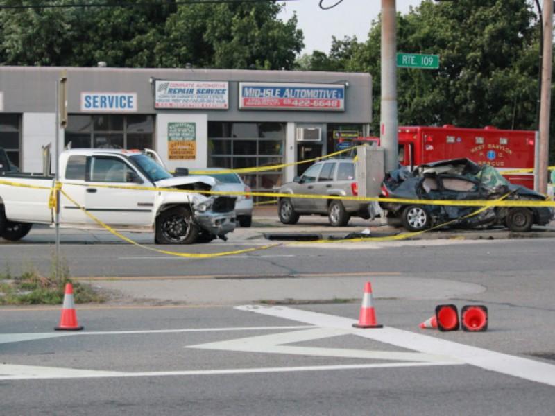 Car Crash Lindenhurst