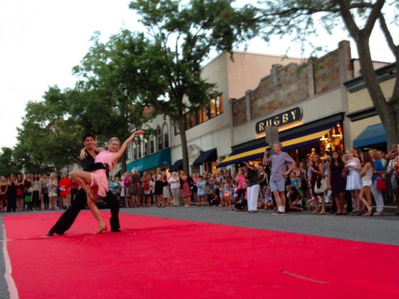Fashion S Night Out Struts Down Greenwich Ave Greenwich