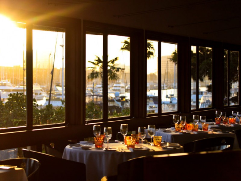 Cafe del rey warms up winter with a shine by the sea bourbon
