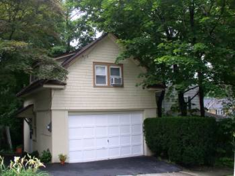Private one bedroom apartment over garage for rent white plains ny patch for 3 bedroom apartments white plains ny