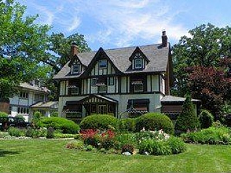 House Wow 5 Bedroom Tudor Home In Beverly Built In 1910