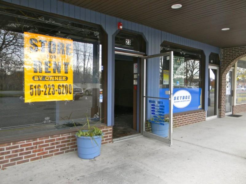 Skybox Formerly Handlebar Restaurant Closes Down Empty