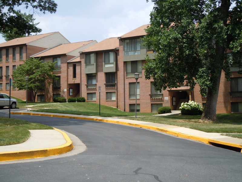 JBG Purchases Restonu0027s Charter Oak Apartments