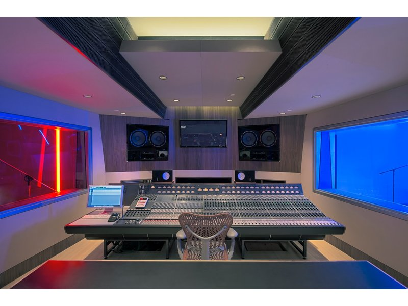 Wondrous What Makes A Great Recording Studio Expert Panel At Westedge Largest Home Design Picture Inspirations Pitcheantrous
